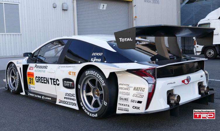 Toyota-Prius-GT300