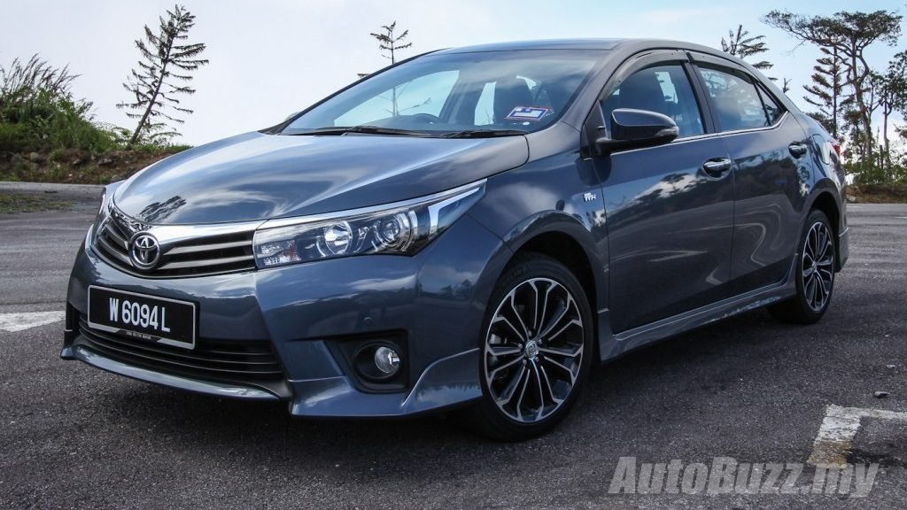 toyota corolla is 2015 world 39 s best selling compact car video. Black Bedroom Furniture Sets. Home Design Ideas