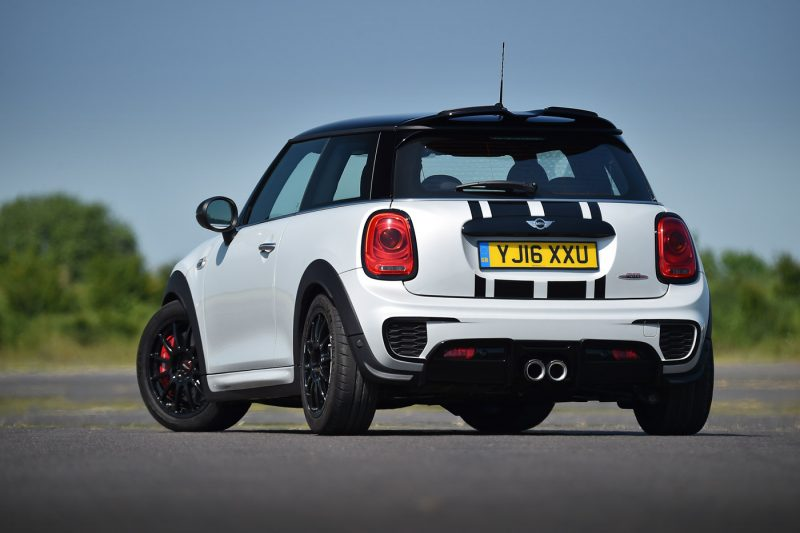 2016 Mini John Cooper Works Challenge - AutoBuzz.my