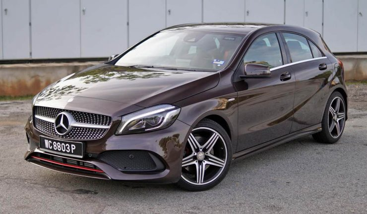 review 2016 mercedes benz a 250 sport the competent little benz. Black Bedroom Furniture Sets. Home Design Ideas