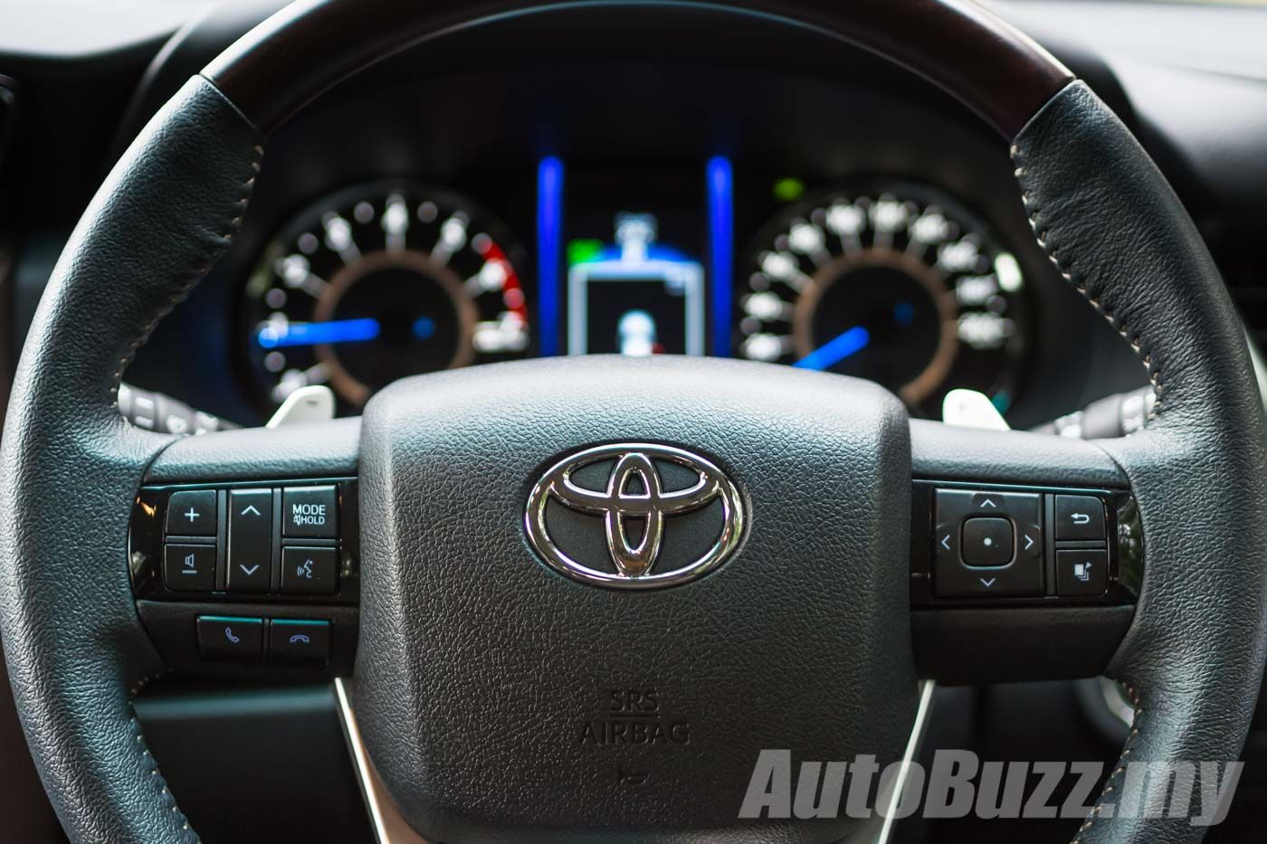 review  2016 toyota fortuner 2 7 srz  there but not quite