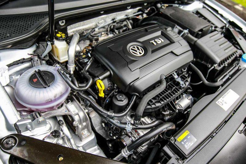 2016 Volkswagen Passat B8 2.0 Highline Media Test Drive
