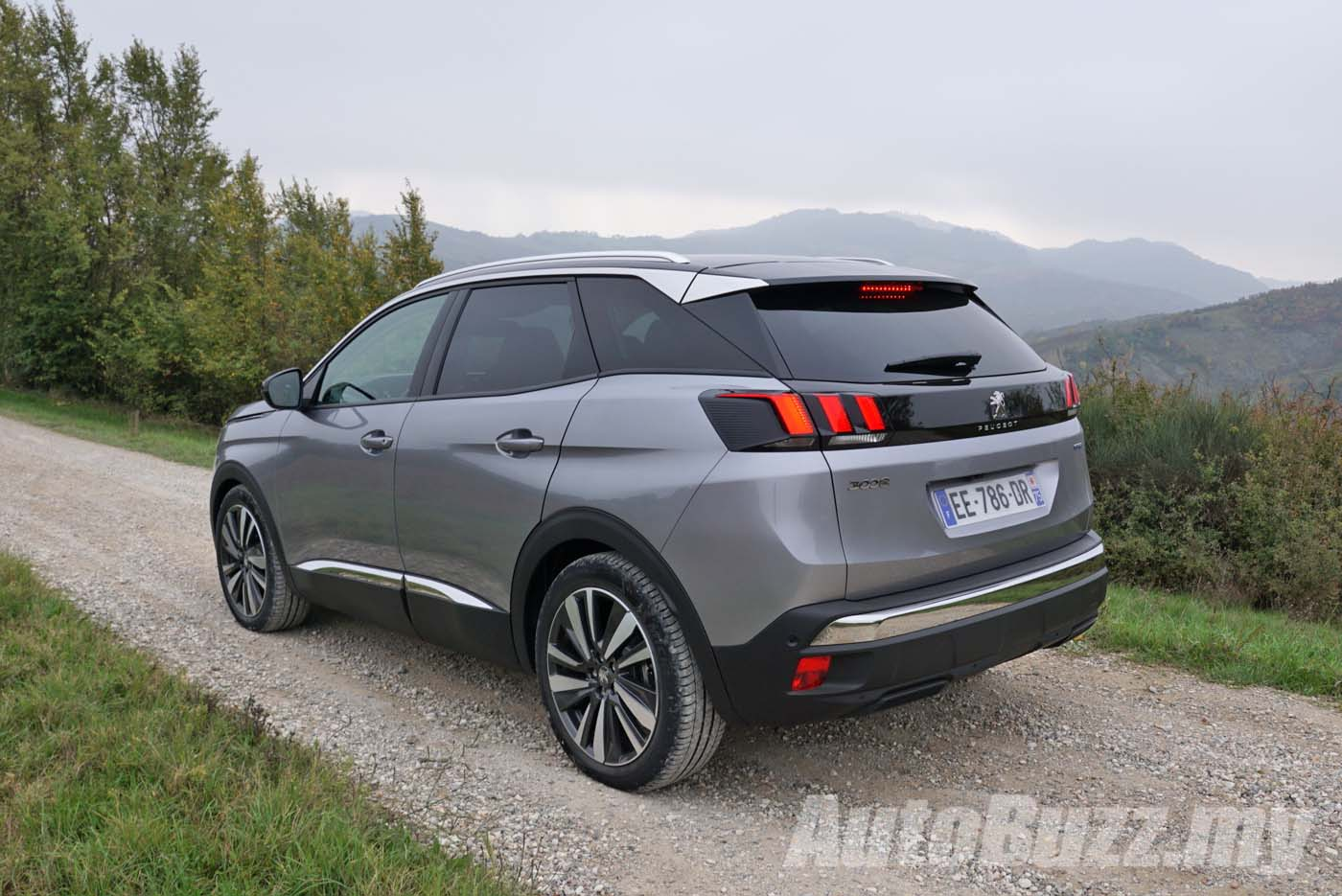 peugeot 3008 plug-in hybrid with 300 hp confirmed for production