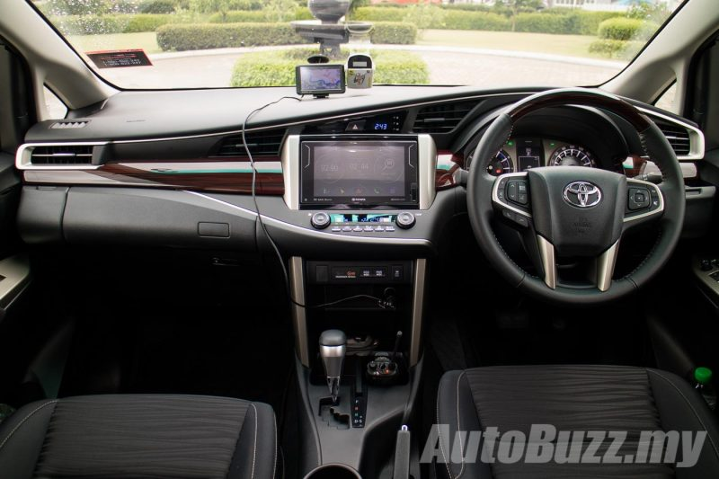 2016 Toyota Innova Media Test Drive