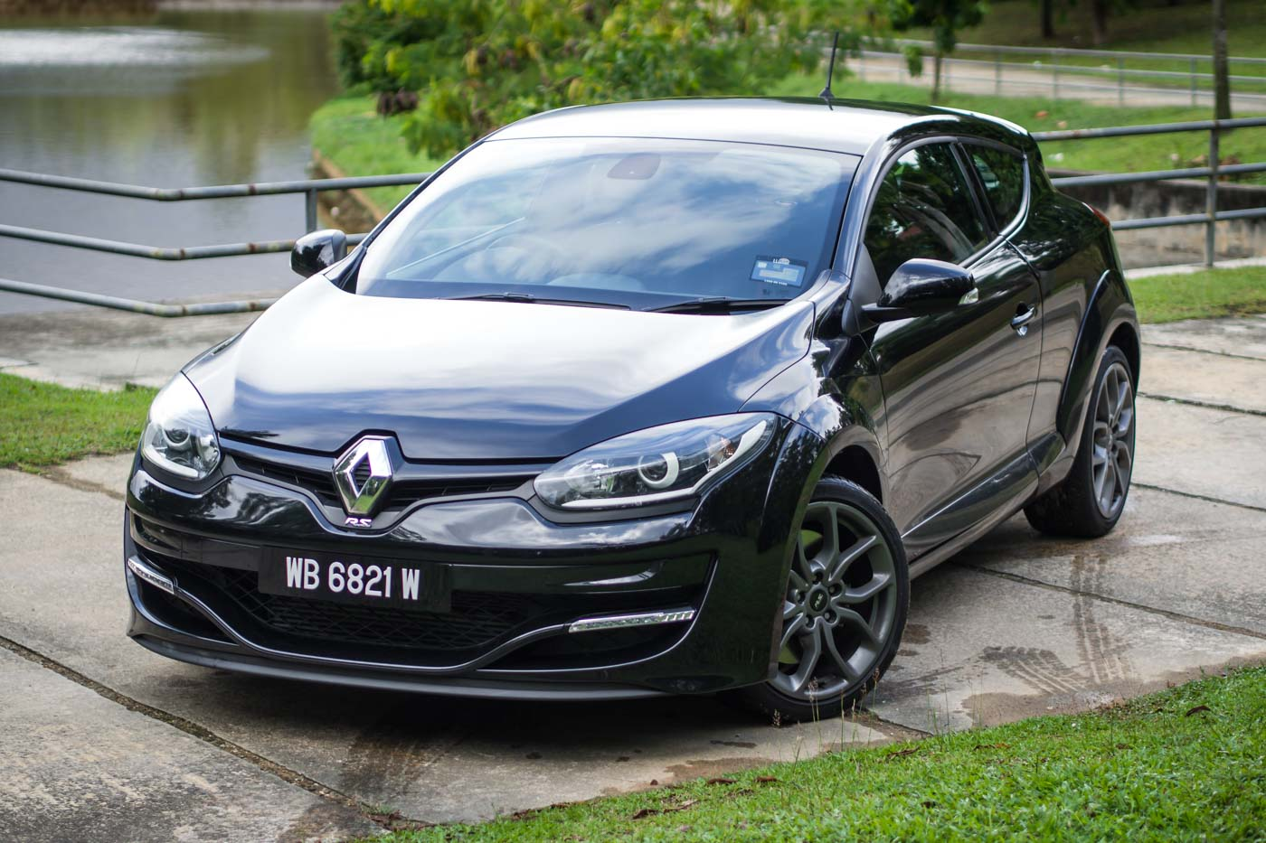 review renault megane r s 265 sport the ideal mountain pass weapon. Black Bedroom Furniture Sets. Home Design Ideas
