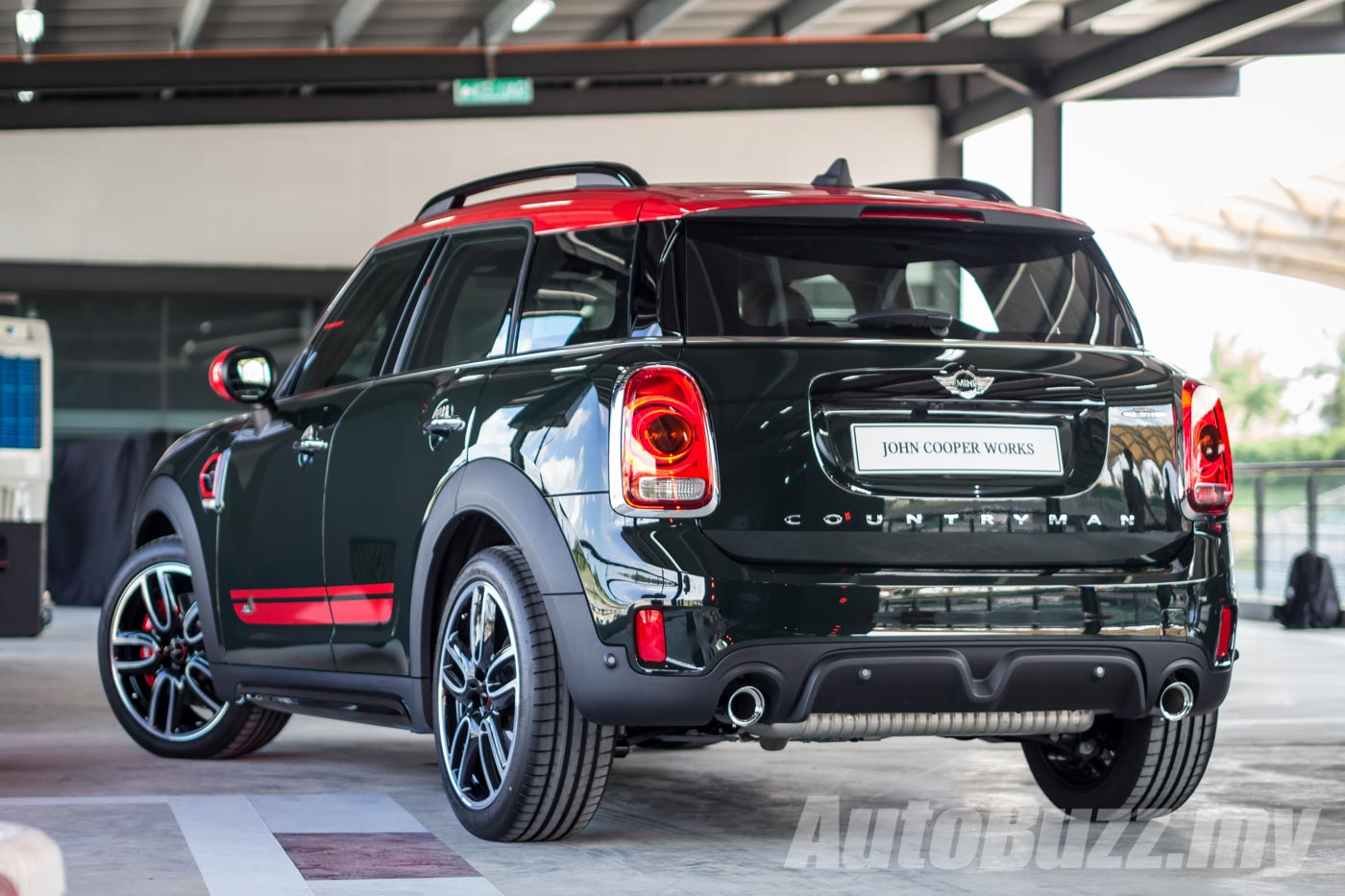 new mini countryman received top safety pick award by iihs. Black Bedroom Furniture Sets. Home Design Ideas