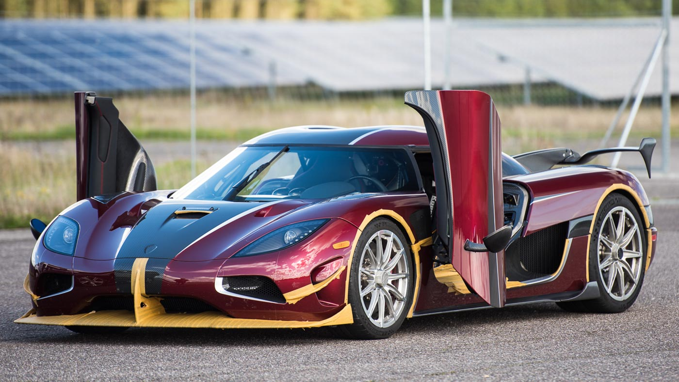 it 39 s official the koenigsegg agera rs is the world 39 s fastest production car. Black Bedroom Furniture Sets. Home Design Ideas