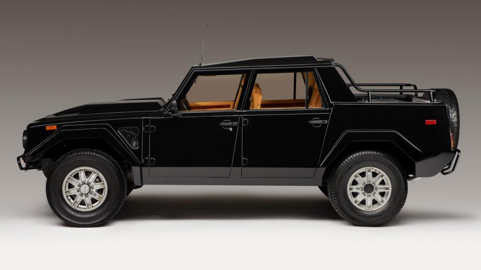 Lamborghini Lm002 Was The 80 S Super Suv New Urus To