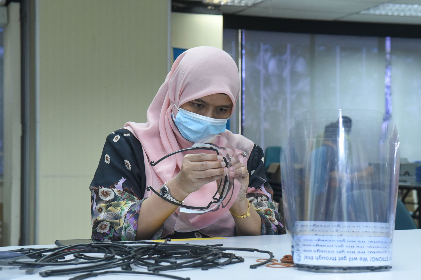 Proton volunteers manufacturing face shields