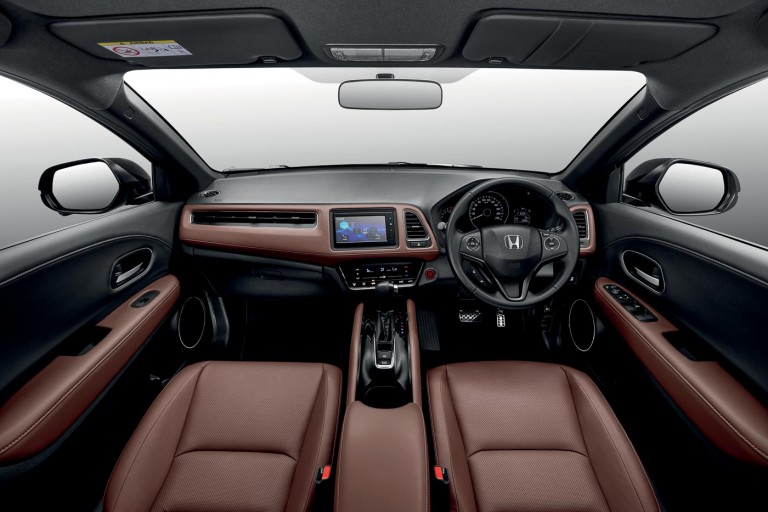 Honda HR-V RS interior with new dark brown leather upholstery